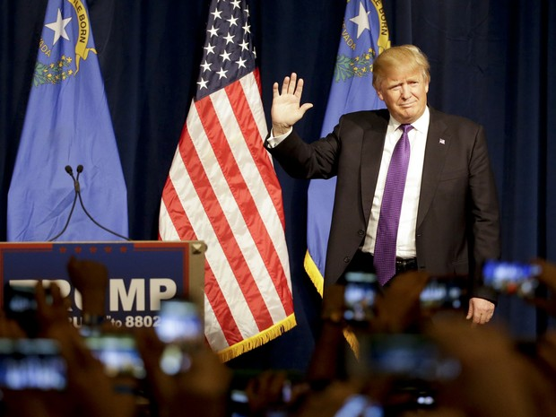 Republican presidential candidate Donald Trump arrives for a caucus night rally Tuesday, Feb. 23, 2016, in Las Vegas (Foto: Jae C. Hong/AP)