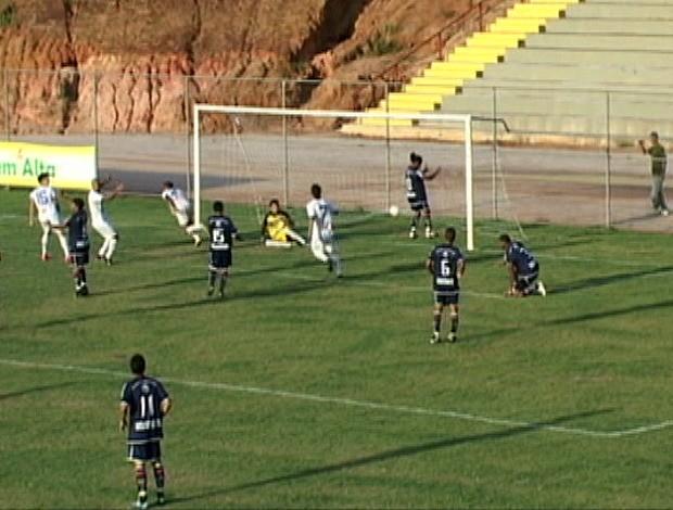Espírito Santo e Vitória-ES empatam em jogo adiado da nona rodada (Foto: Reprodução/TV Gazeta Sul)