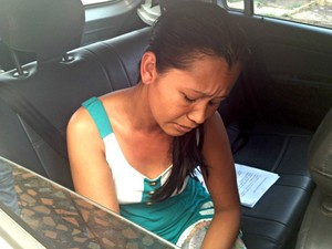 Verônica Bezerra, irmã da vítima, disse que família está sendo ameaçada de morte por suspeitos (Foto: Aline Nascimento/G1)