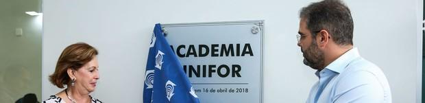 Unifor inaugura nova academia e espaço para formação profissional (Fortaleza ganha moderno complexo de saúde e formação profissional (editar título))