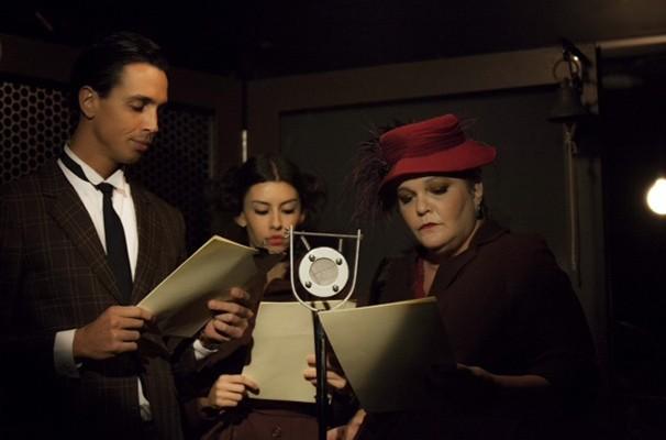 Os atores Gabriel Delfino Marques, Lu Camy e Dida Camero em cena do espetáculo (Foto: Divulgação)