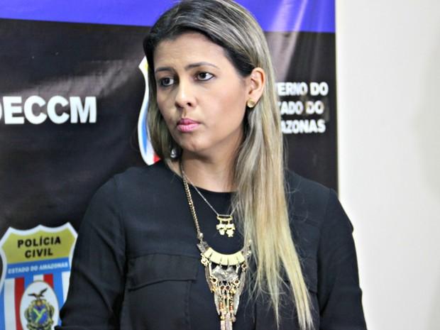 Delegada contou que a dona de casa teve traumatismo craniano e lesões na face e no pulmão (Foto: Suelen Gonçalves/G1 AM)