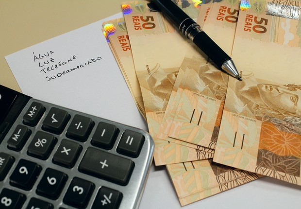 Inadimplência ; contas a pagar ; dívidas ; falência ;  (Foto: Marcos Santos/USP Imagens)