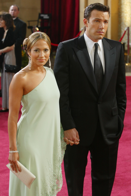 """Recentemente, JLO viu o trabalho do ex em 'Garota Exemplar' e Affleck contou ao The Hollywood Reporter em 2013: """"Nós não temos aquela relação em que ela vem pedir conselhos para mim, mas é algo do tipo 'Oh, seu filme é incrível'. Lembro-me quando ela conseguiu o 'American Idol' e eu disse 'Isso foi muito esperto. Boa sorte'. Eu a respeito e gosto dela. Jennifer teve que aturar coisas injustas em sua vida e estou muito satisfeito de ver seu sucesso"""". (Foto: Getty Images)"""