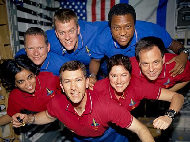 Ônibus espacial Columbia explodiu há dez anos, deixando sete astronautas mortos (Foto: Nasa)