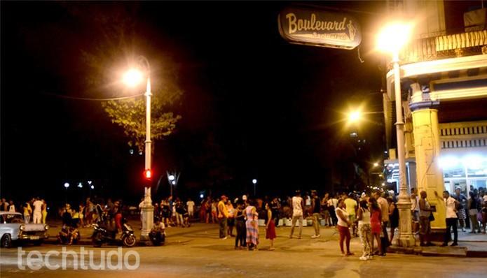 Zona Wi-Fi à noite (Foto: Cristina Tronco)