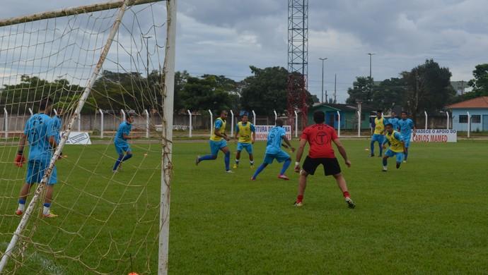 Vilhena treina antes de enfrentar o Genus pela 7ª rodada do estadual (Foto: Lauane Sena)