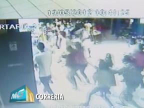 Correria durante terremoto em Montes Claros (Foto: Reprodução/TV Globo)