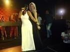 Antônia Fontenelle se empolga em show de Gretchen no Rio