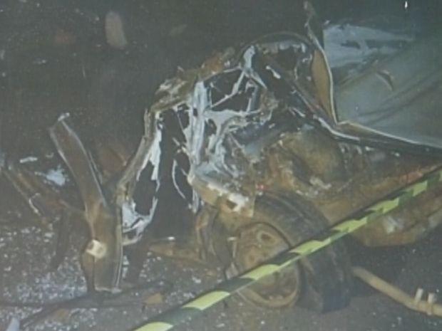 Duas pessoas morreram em um dos acidentes e 12 ficaram feridas.  (Foto: reprodução/Polícia Rodoviária)
