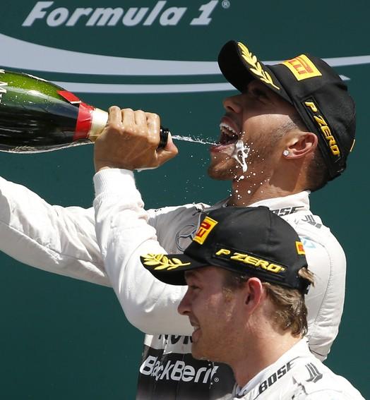 haja cerveja... (Reuters / Phil Noble)