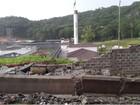 Parte de muro de presídio é derrubado por temporal em Joinville