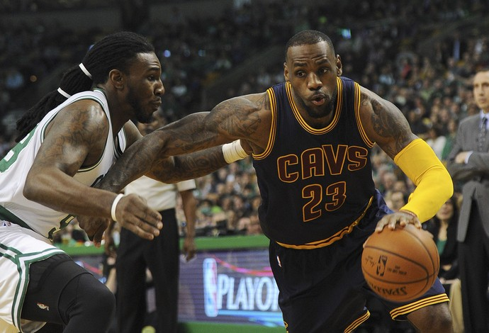 NBA LeBron James Boston Celtics x Cleveland Cavaliers (Foto: Reuters)