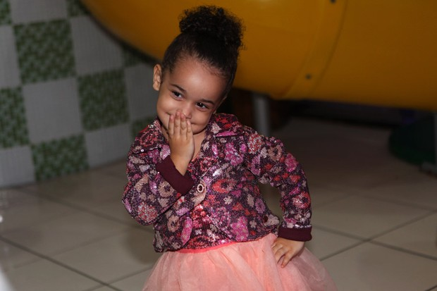 Giulia, filha de Scheila Carvalho (Foto: Iwi Onodera / EGO)