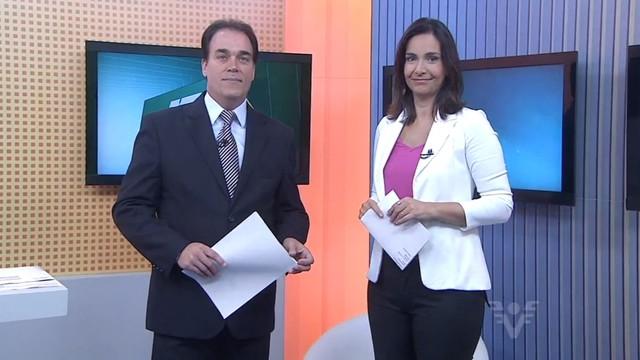 Tony Lamers e Vanessa Machado apresentam o Jornal da Tribuna (Foto: Reprodução/TV Tribuna)
