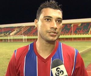 Douglas Alves meio-campo do Plácido de Castro (Foto: Reprodução/TV Acre)