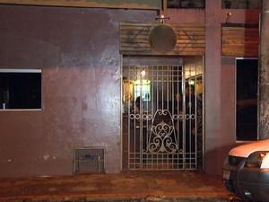 Confusão aconteceu em frente a boate na Vila Rezende em Piracicaba (Foto: Reprodução/EPTV)