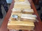 Homem é preso com 30 tabletes de maconha em fundo falso de picape