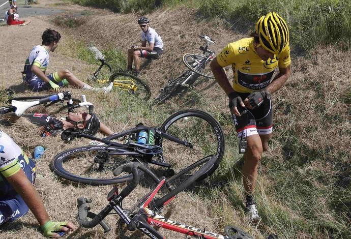 ciclismo acidente Volta da França Fabian Cancellara (Foto: Reuters)