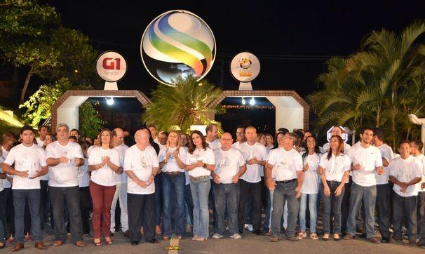 Colaboradores da TV Sergipe durante gravação da campanha de fim de ano (Foto: TV Sergipe/ Divulgação)