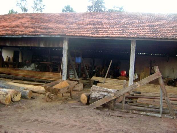 Serraria que funcionava ilegalmente foi fechada pela PMA (Foto: Divulgação/PMA)