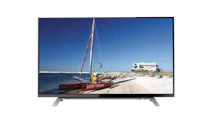 Smart TV Semp Toshiba permite acessar redes sociais e tem tela de 43 polegadas em Full HD (Foto: Divulgação/Semp Toshiba)