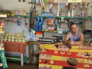 Comerciante acredita no retorno da mineradora em Pedra Branca do Amapari (Foto: Abinoan Santiago/G1)