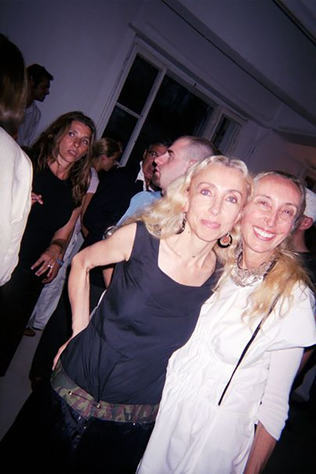 Franca with her sister Carla (Foto: Suzy Menkes)