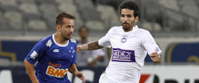Éverton Ribeiro, meia do Cruzeiro (Foto: Washington Alves \ Light Press)