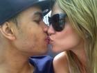Dentinho convida jogador Willian para ser padrinho de casamento