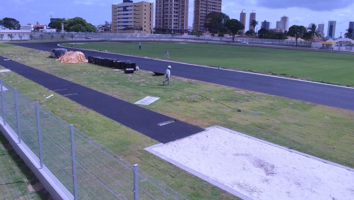 pista atletismo vila olímpica ronaldo marinho (Foto: Larissa Keren / GloboEsporte.com/pb)