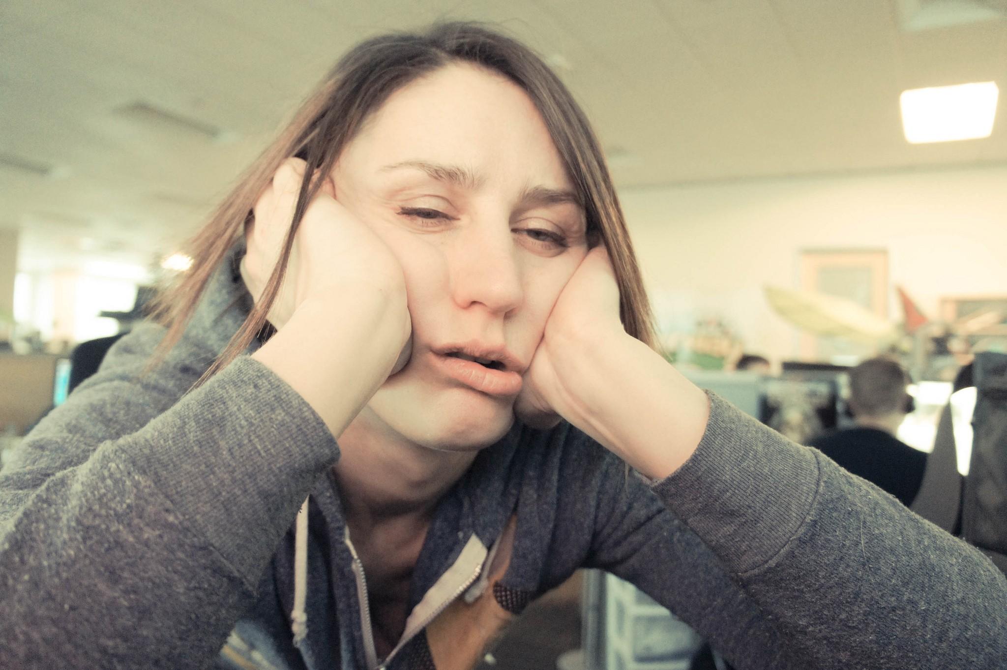 9 formas com que seu cérebro sofre quando você não dorme direito