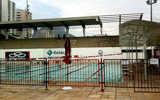 soldados arquibancada piscina gávea flamengo (Foto: Rafael Lopes / Globoesporte.com)