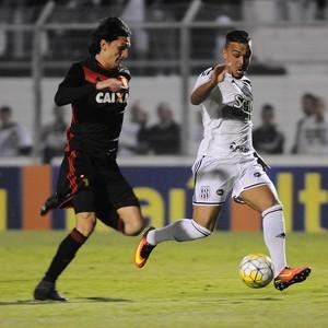 William Pottker Matheus Ferraz Ponte Preta Sport (Foto: Rodrigo Villalba / Agência Estado)