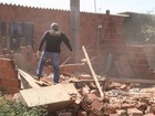 Operação derruba sete construções em Taguatinga e Ceilândia, no DF