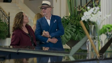 Arlete e Pedrinho se encontram no Carioca Palace