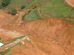Barragem Muriaé 2007 (Foto: Cláudio Cordeiro/Arquivo Pessoal)
