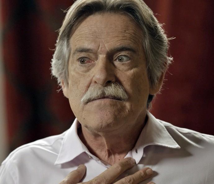 Gibson recebe todas as informações que Dante conseguiu e fica surpreso com o neto (Foto: TV Globo)