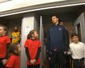 Ibrahimovic encanta mascotes e garante PSG na Copa da França