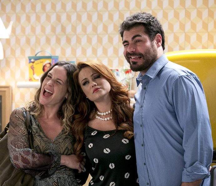 Vanessa Lóes, Ellen Rocche e Thiago Lacerda nos bastidores de Haja Coraçãoo (Foto: Isabella Pinheiro/Gshow)
