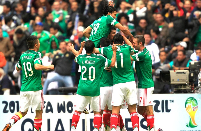 Comemoração do México contra a Nova Zelândia (Foto: Agência Reuters)
