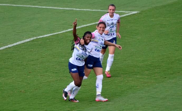 Ludmila São José futebol feminino (Foto: Danilo Sardinha/GloboEsporte.com)