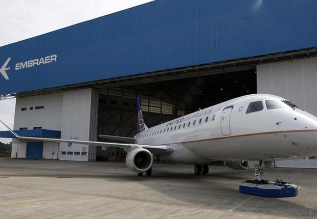 Avião regional E175 da Embraer (Foto: Reuters)