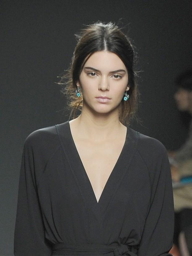 Irm de Kim Kardashian  a nova queridinha do mundo da moda. (Foto: Getty Images)