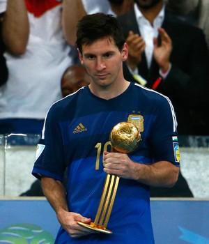 Messi recebeu o prêmio de melhor jogador da Copa do Mundo 2014 (Foto: Clive Rose/Getty Images)