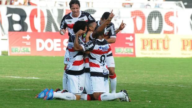 Santa  Cruz x Águia de Marabá (Foto: Aldo Carneiro/Pernambuco Press)