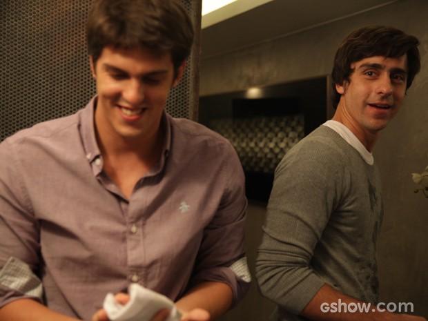 Rafael Infante e Felipe Abib gravam cenas juntos em Geração Brasil (Foto: Pedro Curi/TV Globo)