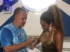 Rainha de bateria da Portela ganha presentes de Glória Pires