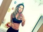 Lizi Benites revela estar ansiosa para ver a barriga de grávida aparecer