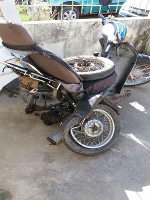 Moto foi adaptada artesanalmente para que fosse conduzida pelo deficiente físico (Foto: Divulgação / Arquivo pessoal)